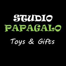 studiopapagalo logo toys green